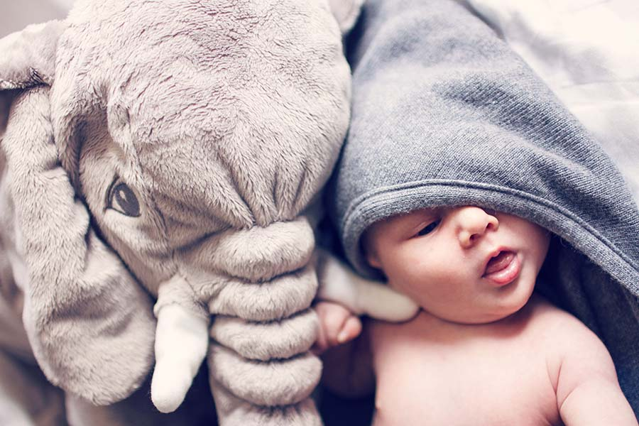 How to Take Better Baby Photos Using Natural Light